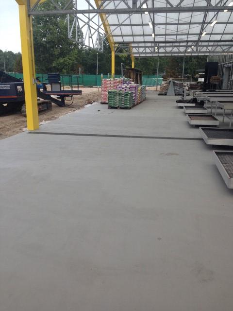 Anti-slip vloer buiten en coating vloer binnen Tuincentrum Almere