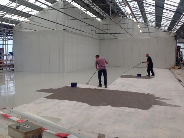 Anti Slip Vloeren : Anti slip vloer buiten en coating vloer binnen tuincentrum almere