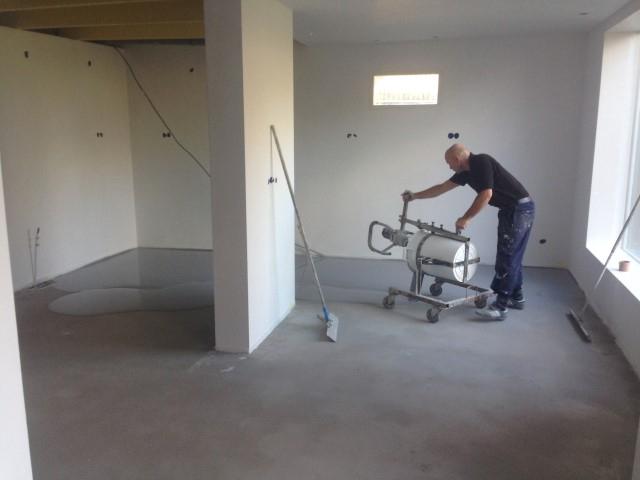 Gietvloer Betonlook Keuken : Cementgebonden gietvloer betonlook grijs